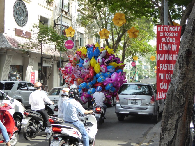 Christmas Eve balloon deliveries Saigon